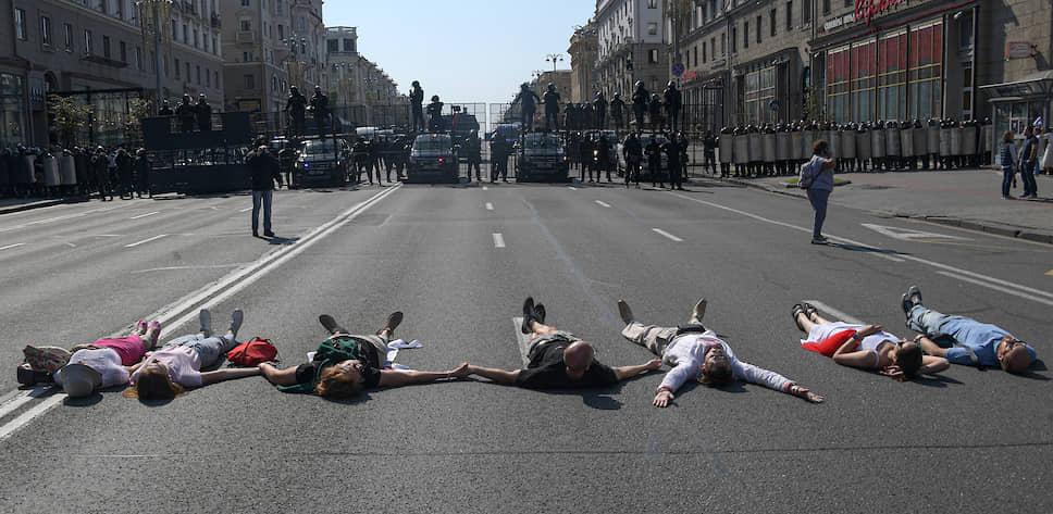 Протестующие на проспекте Независимости 30 августа