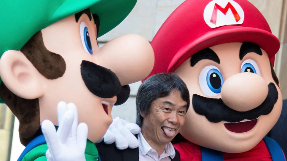 Персонаж Марио был создан японским геймдизайнером Сигэру Миямото (на фото) в 1981 году и впервые появился в игре-платформере Donkey Kong