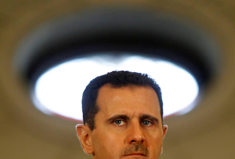 В 2007 году Башар Асад стал президентом Сирии во второй раз на безальтернативной основе, получив, по официальным данным, 97,6% голосов. Оппозиция бойкотировала выборы, а Госдеп США в своем заявлении отметил способности сирийского президента «одолеть ноль других кандидатов»