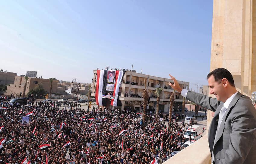 В начале 2011 года в Сирии начались антиправительственные выступления, охватившие крупнейшие города — Дамаск, Деръа, Хомс, Латакию. Демонстранты требовали проведения демократических реформ, отмены режима чрезвычайного положения, отставки Башара Асада