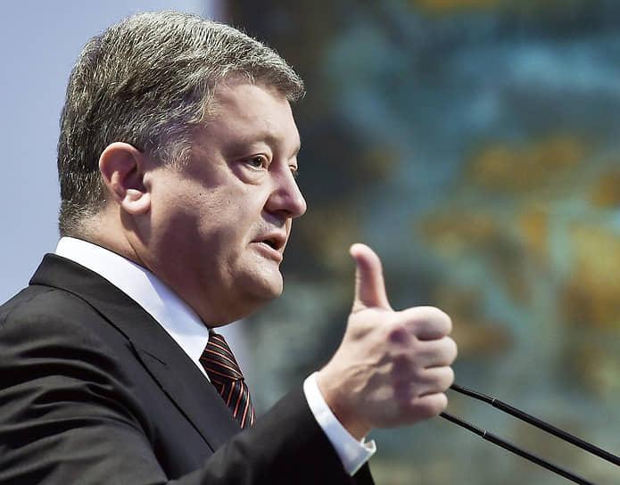В феврале 2019 года тогдашний президент Украины Петр Порошенко заявил, что является трезвенником. «Я не пью и вам не советую»,— отметил он