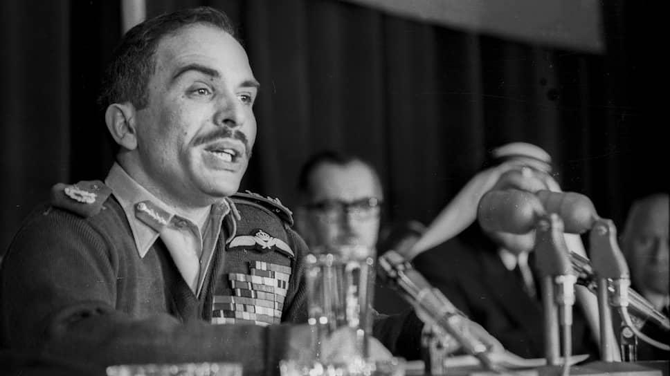 Король Иордании Хусейн ибн Талал. В 1970 году подданные чаще всего видели своего монарха в военной форме