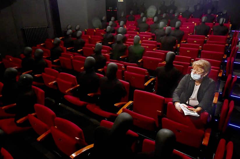 Москва. Премьера спектакля «Старший сын» в Театре Олега Табакова