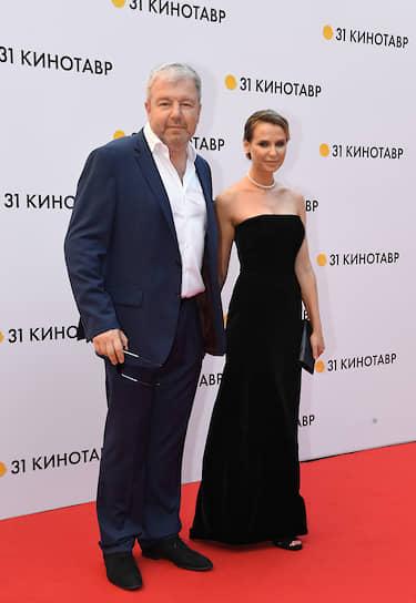 Актер Александр Робак с супругой Ольгой