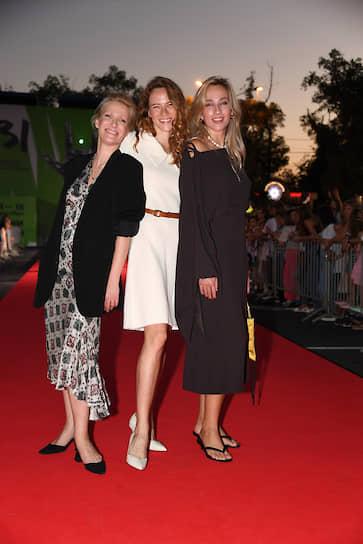 Слева направо: актриса Анна Слю, режиссер Лана Влади и актриса Наталия Чумбуридзе