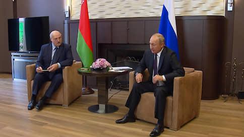 «Глупый сын Кремля Лукашенко укусил руку, которая кормила его» / Зарубежные СМИ — о встрече президентов России и Белоруссии в Сочи