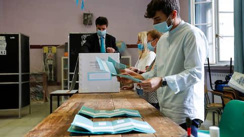 Итальянцы поддержали правительство  / Референдум по изменению конституции и региональные выборы принесли успех партии власти