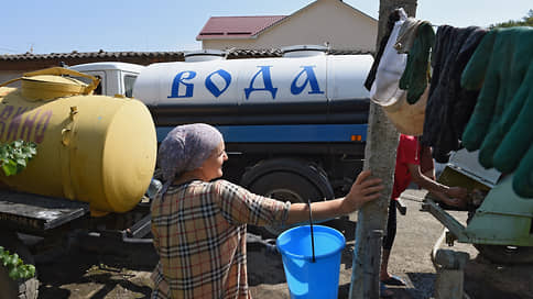 Крым готовится опреснять воду // Проект губернатора Севастополя по переброске воды смыло общественным негодованием