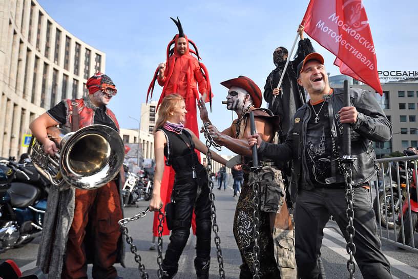 В столичном заезде приняли участие около 2,5 тыс. человек