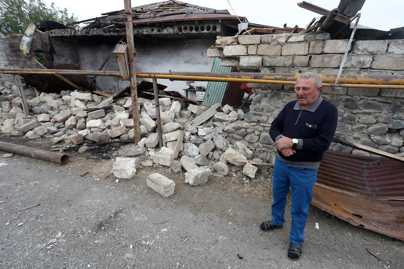 Армянское правительство сообщило, что выезд физических лиц и транспорта из Армении в Нагорный Карабах, за исключением перевозок для армии обороны и властей НКР, ограничен со 2 октября