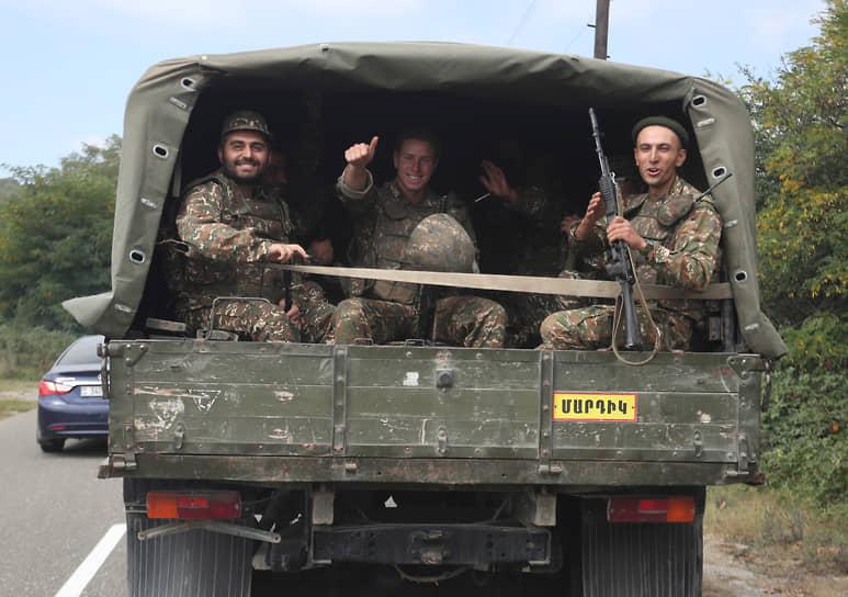 Армянские военные в непризнанной Нагорно-Карабахской республике
