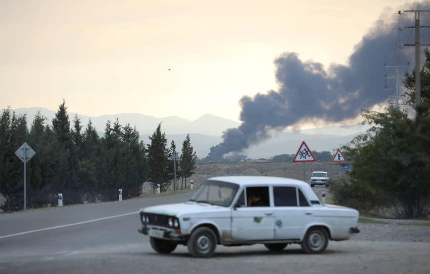 Дым над азербайджанским городом Тертером