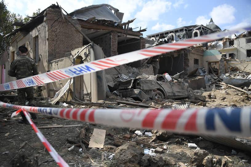 11 октября, по информации Баку, произошел обстрел города Гянджа — второго по численности населения в Азербайджане