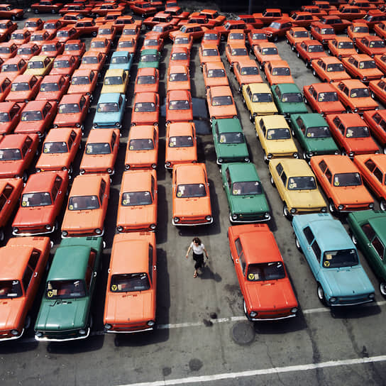 В 1972 году вышла обновленная модель — ЗАЗ-968. Автомобиль отличался новыми поворотниками, наличием фонарей заднего хода, новой приборной панелью