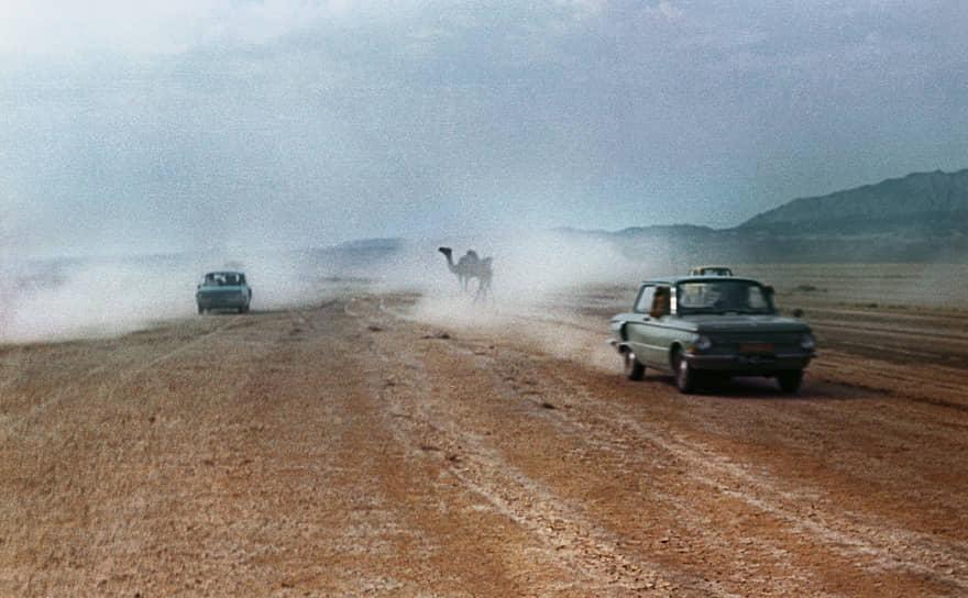 На боковинах ЗАЗ-966 появились воздухозаборники, за которые автомобиль получил прозвище «ушастый»