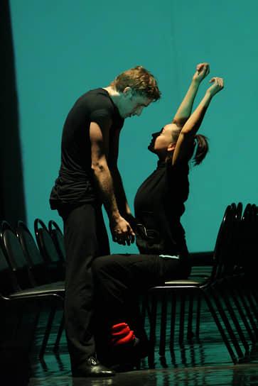 С марта 2009 года Чулпан Хаматова играет в хореографической новелле «Бедная Лиза» по повести Карамзина в постановке Аллы Сигаловой. Критики отметили работу актрисы, которая ничем не уступает профессиональным танцорам