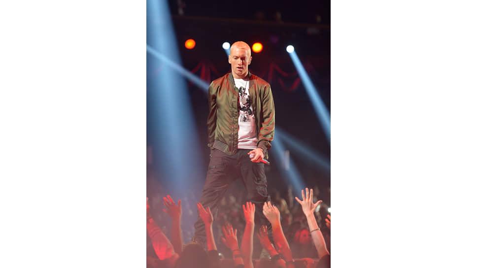 Рэпер Эминем продал 25% каталога песен своей продюсерской компании FBT Productions для дальнейшего их размещения на NASDAQ
