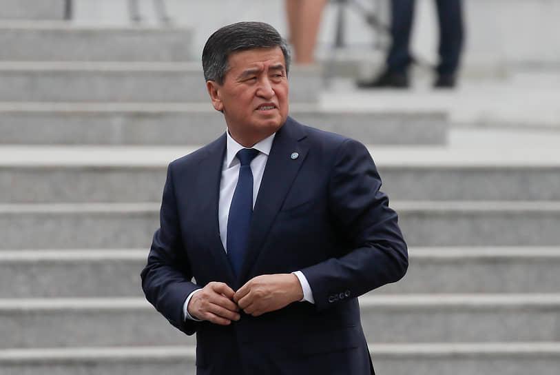Отставка президента Сооронбая Жээнбекова (на фото), как ожидается, будет утверждена парламентом 16 октября