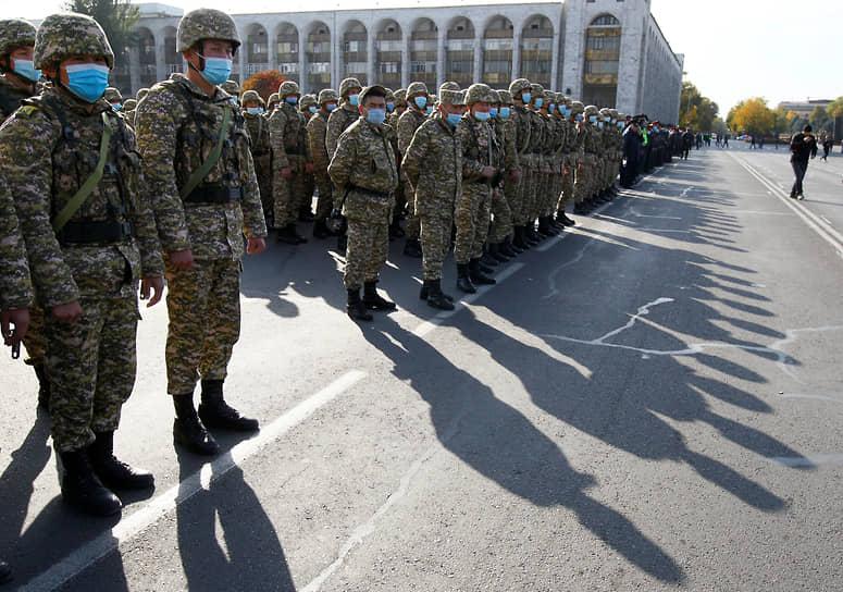 Генеральному штабу Вооруженных сил Киргизии было поручено организовать блокпосты для «пресечения вооруженных столкновений, обеспечения охраны правопорядка и защиты мирного населения»