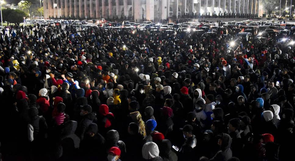 ЦИК Киргизии признал недействительными парламентские выборы, которые прошли в стране 4 октября
