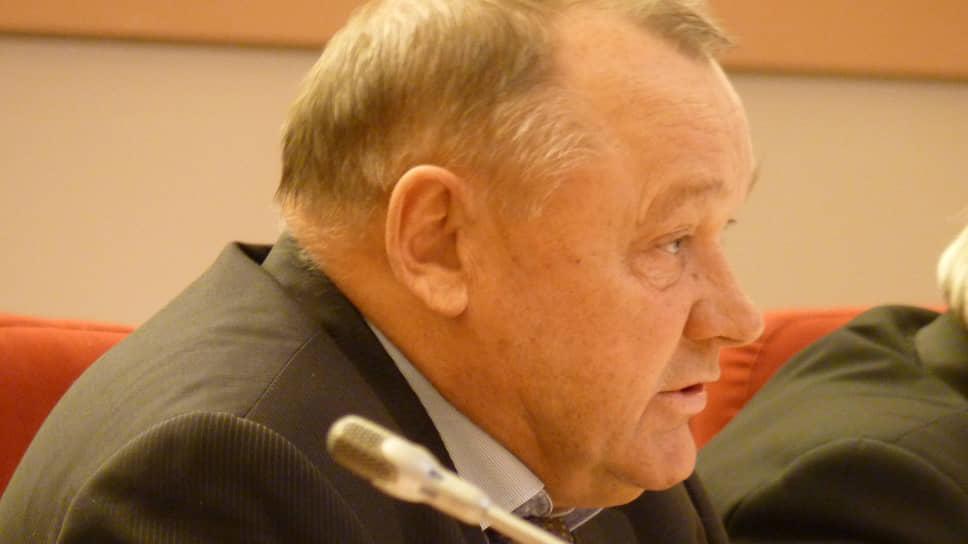 Председатель бюджетного комитета саратовской областной думы Николай Семенец