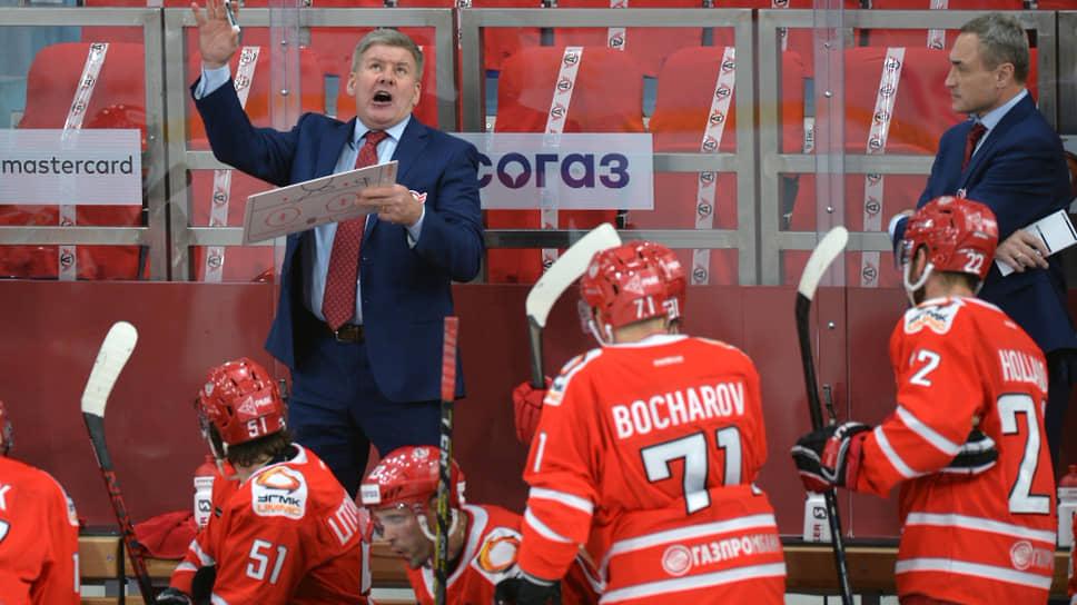 Берегись «АвтомоБилла» / Канадский тренер вывел клуб из Екатеринбурга на первое место в КХЛ