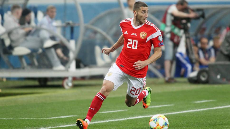 Футболист Алексей Ионов