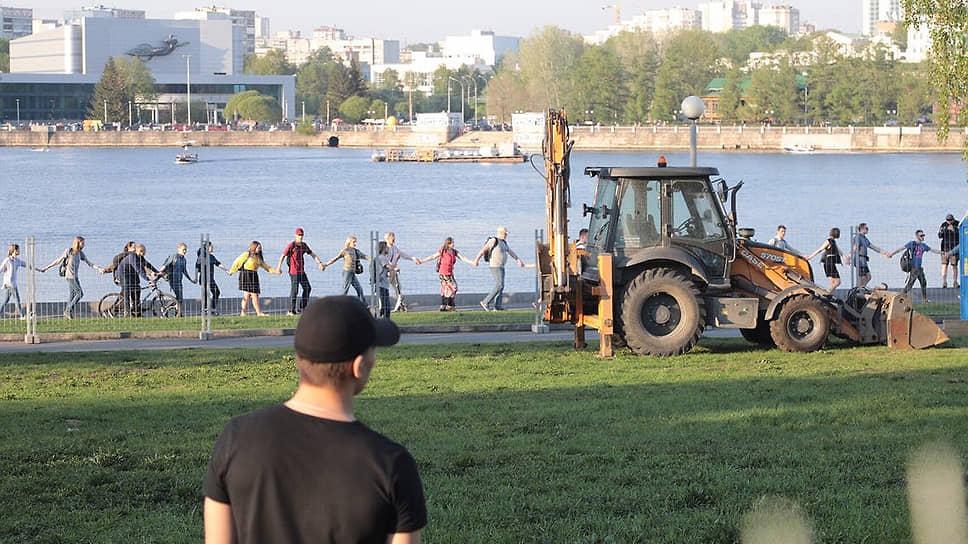 Акция протеста против строительства храма в Екатеринбурге