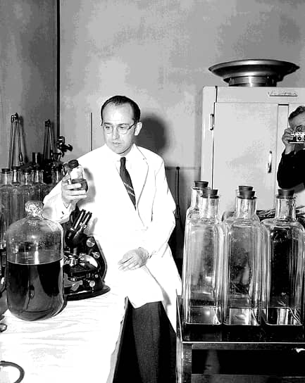 Джонас Солк не стал патентовать свою вакцину против полиомиелита. На вопрос «почему?» он ответил вопросом «разве можно запатентовать Солнце?». По подсчетам журнала Forbes, сделанным в 2012 году, патент на вакцину мог принести Солку $7 млрд