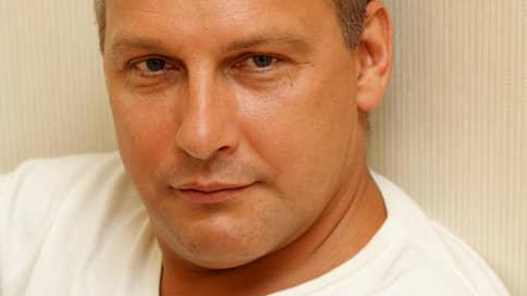 Писателя вписали в подследственный роман  / Дмитрия Стародубцева подозревают в изнасиловании несовершеннолетней