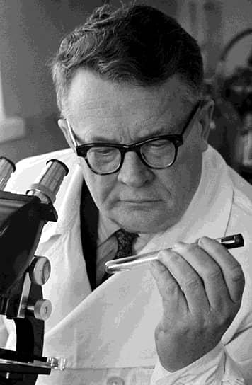 Профессор Анатолий Смородинцев. Соавтор полиомиелитной вакцины, создатель вакцин против гриппа, клещевого энцефалита, кори, эпидемического паротита (свинки)