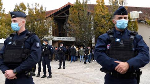 Чеченец решил дать урок Республике  / Франция осуждает жестокое убийство учителя