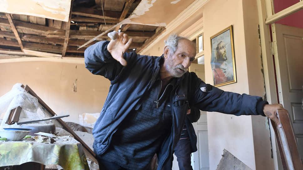 Житель села Шош Юрий Мелкумян, чей дом попал под обстрел