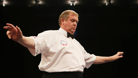 Арбитр поменял ринг на телефон  / В британском боксе разразился судейский скандал