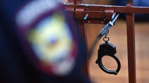 Полицейские оценили рюкзак с продуктами в 100тыс. рублей  / В Краснодаре сотрудники МВД осуждены за покушение на мошенничество