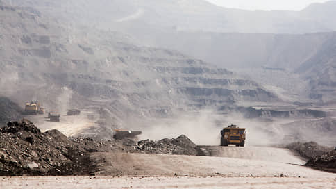 Над всем Кузбассом черное небо // «Экозащита» проанализировала влияние угледобычи на экологию и здоровье людей