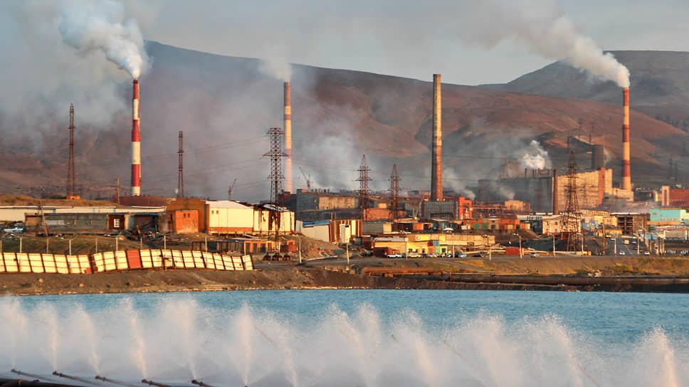 Воздух портится без норм / Реализацию федпроекта «Чистый воздух» критикуют аудиторы, депутаты и чиновники
