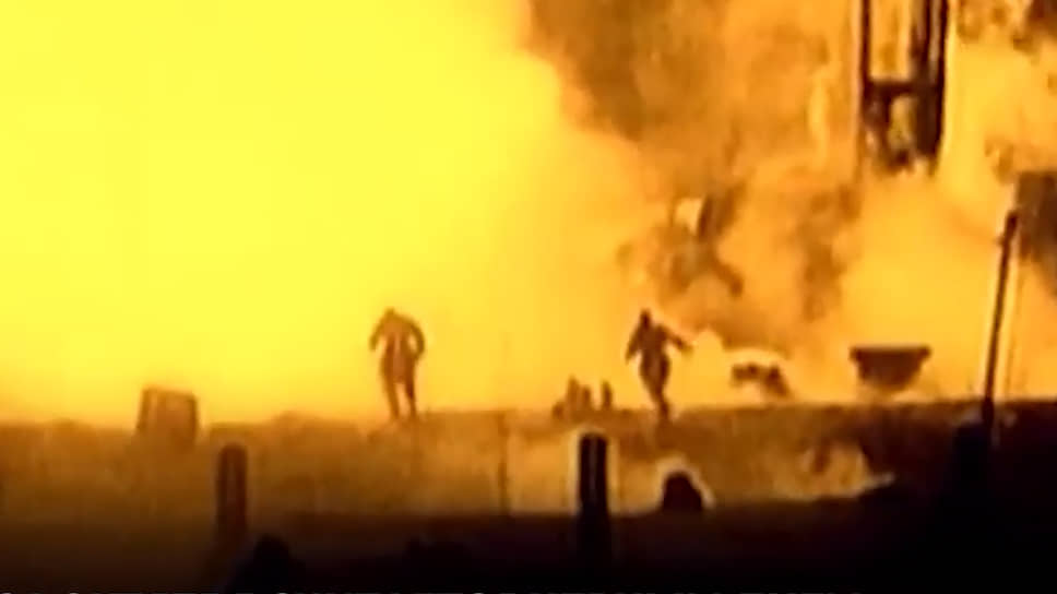 «На пусковом столе вся в огне пылает наша ракета»