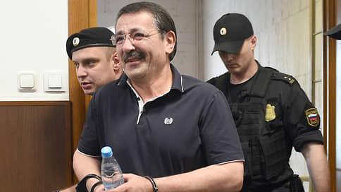 «Черновик» готовят к приговору  / Начался процесс по делу об убийстве учредителя дагестанского еженедельника