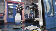 В вагонах и вестибюлях станций столичного метро проводится влажная уборка