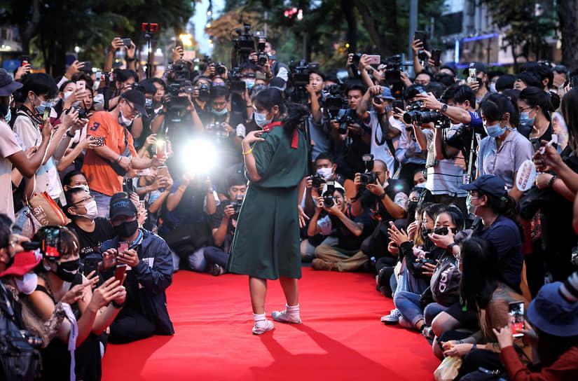 Бангкок, Таиланд. На антиправительственной акции протеста