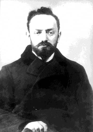 «Ганецкий (на фото) продолжал и продолжает поныне тесные личные и торговые сношения с Парвусом»
