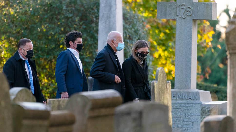 Джо Байден с семьей посещает католическую церковь в штате Делавэр