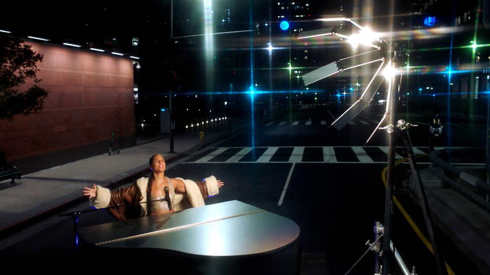 Американская певица Alicia Keys в Лос-Анджелесе
