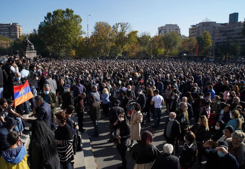 Участники акции протеста в столице Армении