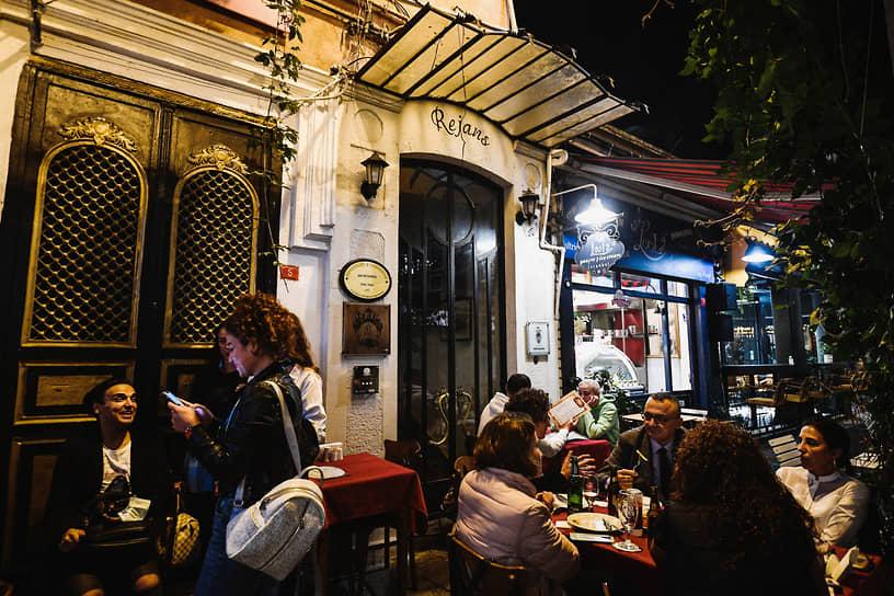 Недавно закрывшийся русский ресторан Rejans (он же 1924 Istanbul) был настолько стар, что забылась точная дата его основания и имена первых владельцев