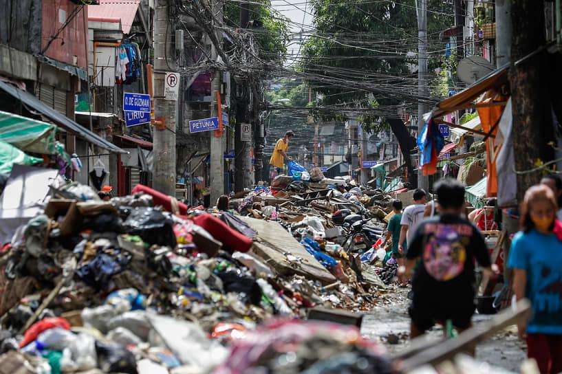 Марикина, Филиппины. Последствия наводнения, вызванного тайфуном
