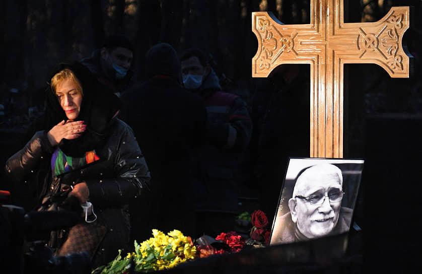 Могила Армена Джигарханяна на Ваганьковском кладбище