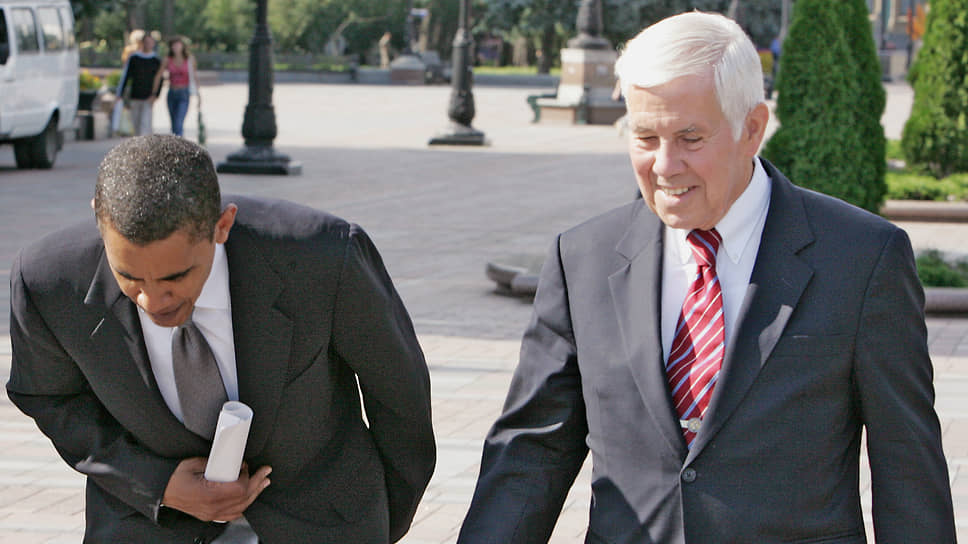Сенаторы США Барак Обама (слева) и Ричард Лугар во время визита на Украину в 2005 году