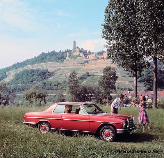 Mercedes-Benz W114 / W115 — первая по-настоящему массовая серия автомобилей бизнес-класса, выпускавшаяся с 1968 по 1976 год. Дизайн был разработан французским дизайнером Полем Браком. Всего компания произвела 1,9 млн таких авто